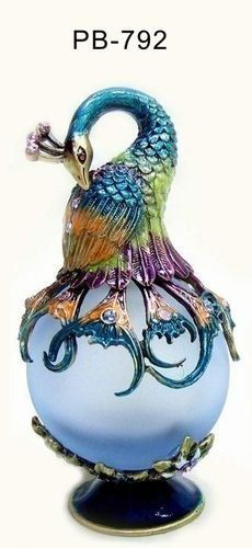 Welforth Fine Pewter Peacock Blue Perfume Bottle by Welforth, http://www.amazon.com/dp/B006V467RY/ref=cm_sw_r_pi_dp_kSTNqb0BDR7PW