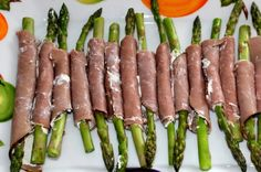 Asparagus Roast Beef Roll-Ups / #lowcarb shared on https://facebook.com/lowcarbzen