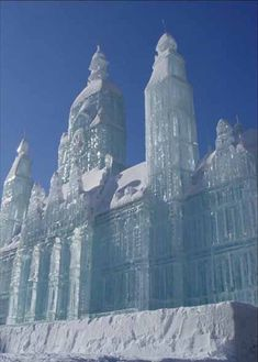 Amazing Ice Sculptures Art : Amazing Beautiful and Unique Snow Sculptures around the world   Most Amazing Things in the World, Incredible, Cool, Unique Things on Earth