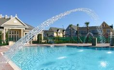 piscina do Resort com club house ao fundo