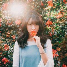Photography Girl Flowers Flora 21 New Ideas Tumblr Photography, Portrait Photography, Photography Flowers, Sweet Girls, Cute Girls, Korean Girl, Asian Girl, Friendship Photography, Uzzlang Girl