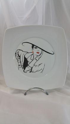 """assiette carrée  en porcelaine de Limoges peinte à la main """" rouge et noir"""""""