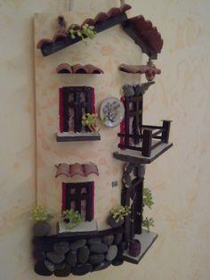 tegole decorate - Cerca con Google Diy Crafts Slime, Slime Craft, Tile Crafts, Diy And Crafts, Tuile, Clay Tiles, House Roof, Fairy Houses, Little Houses