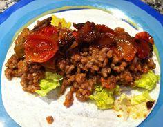 Burritos mexicanos | Bicheando en la cocina Pan Relleno, Salsa Picante, Great Recipes, Beef, Ethnic Recipes, Food, Ground Beef Burritos, Beef Strips, Caramelized Onions