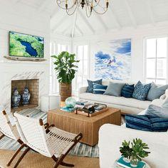 https://i.pinimg.com/236x/90/d5/a3/90d5a333cb807576c5516a9c65adf26a--room-designer-white-living-rooms.jpg