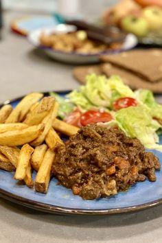 Brabants stoofvlees Foodies, Pasta, Salad, Pasta Recipes, Pasta Dishes
