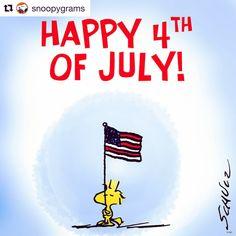 ウッドストックがアメリカの国旗を持っているね。
