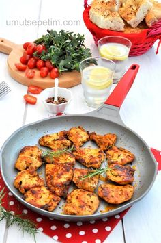 Yummy Chicken Recipes, Yum Yum Chicken, Meat Recipes, Yummy Food, Healthy Recipes, Turkish Recipes, Main Dishes, Food And Drink, Cooking