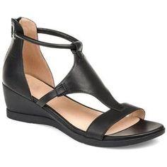 DE NIEUWE COLLECTIE 2020 De schoenmaten komen overeen met de EU-standaardschoenmaten voor vrouwen Het innovatieve ontwerp van onze lederen sandalen IVONNE biedt maximaal comfort. Dankzij de op maat gemaakte pasvorm passen de schoenen perfect en zijn ze dus uiterst comfortabel. De zachte zool en de stabiele zool maken h Caged Sandals, Leather Wedge Sandals, Black Sandals, Wedge Shoes, Women's Shoes, Low Wedge Sandals, Womens Summer Shoes, Womens Shoes Wedges, Womens High Heels