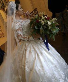 Bride Dresses, Wedding Dresses, Lace Wedding, Fashion, Moda, Bridal Gowns, Bridal Gowns, Fashion Styles, Weeding Dresses