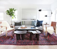 A bright, bohemian and modern living room in California / designed by Amber Lewis of Amber Interiors