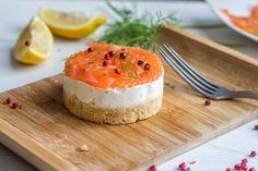 Cheesecake saumon (crackers, ricotta, cream cheese, saumon fumé, jus de citron)