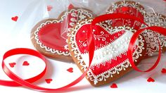 "A handmade gingerbread hearts with royal icing for somebody special... More pictures from Polish creator ""Koronkowe Pierniczki"" are here: www.facebook.com/koronkowe.pierniczki"