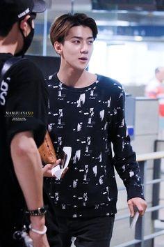 Sehun <3 140907: Incheon Airport to Shanghai