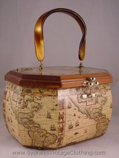 cebfcd661b65 ✿ڿڰۣ(̆̃̃❤Aussiegirl  Vintage  Wear Vintage Purse with Map Motif Vintage