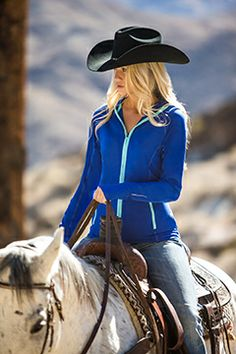 Our Sierra Hoodie's most innovative feature is the snug fitting hood designed for wearing under a helmet, and for great peripheral vision!  Learn more about the Sierra on Noble Life!