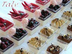 Bicchierini misti di panna cotta setosa by Taly - Health Food Finger Food Desserts, Desserts In A Glass, Small Desserts, Ice Cream Desserts, Mini Desserts, Delicious Desserts, Dessert Recipes, Panna Cotta, Sweet Light
