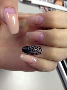 Coffin nails. Leopard. Glitter moon. Lightning nails. @jaimspark @cassikohl @meevemal