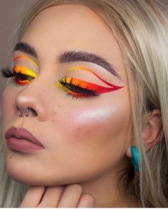 The neon cat eye look is everywhere. This makeup look is amazing but it can definitely be intimidating if you've never tried it before. If you're wanting to try the neon cat eye look but are Cute Makeup Looks, Makeup Eye Looks, Eye Makeup Art, Crazy Makeup, Pretty Makeup, Skin Makeup, Daily Makeup, Amazing Makeup, Pretty Hair