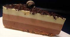 Tarta de tres chocolates (receta Thermomix) Chocolate Thermomix, Tres Chocolates, Tiramisu, Cheesecake, Pudding, Ethnic Recipes, Desserts, Food, Almonds