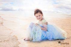 Photo Beach by Josée Ross on Girls Dresses, Flower Girl Dresses, Ballet Skirt, Wedding Dresses, Beach, Skirts, Photos, Fashion, Photo Shoot
