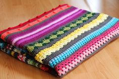 Rainbow sampler blanket - A free crochet pattern guide on haakmaarraak.nl! #Crochet #haken #Rainbow