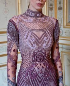 Reem Acra is a renowned international designer known for her breathtaking collections in Ready-to-Wear and Bridal. Fashion Art, Fashion Outfits, Womens Fashion, Fashion Design, Fashion Trends, Nice Dresses, Formal Dresses, Couture Details, Embroidery Fashion