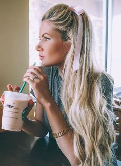 7 Day Hair Diary - Barefoot Blonde by Amber Fillerup Clark.  Learn more at the picture link