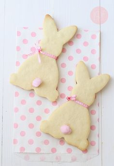 Absolutely precious (and SIMPLE) Easter bunny cookies!