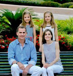 Le roi Felipe, la reine Letizia et leurs deux filles, Leonor et Sofia