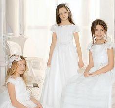 Vestidos de Primera Comunión Sencillos - Para Más Información Ingresa en: http://vestidosdenoviaoriginales.com/vestidos-de-primera-comunin-sencillos/