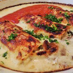 Aprende a preparar canelones de pollo con esta rica y fácil receta.  Los canelones son un plato tradicional que se consume caliente en invierno, aunque también se...