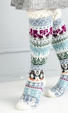 Merja Ojanperän We love winter embroidery socks Crochet Leg Warmers, Diy Crochet And Knitting, Knitting Blogs, Knitting Charts, Knitting Socks, Knitting Designs, Baby Knitting, Knitting Patterns, Knitted Christmas Stockings