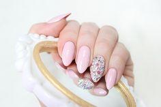 Pure Creamy Hybrid Nails with Victoria Vynn 009 color Pink nails with diamonds Cute , Barbie , Crystal , Shiny Nails Paznokcie hybrydowe Róż , cyrkonie