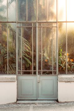 Textured glass conservatory - love the doors!