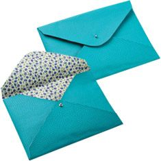 Fabricate yourself a bag envelope synthetic leather - Fashion, Beauty, Style, customization and Recipes - Mannequin - Editora Abril