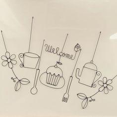 주방소품에 한땀한땀 수를 놓아 주면 예쁠 것 같은 바느질 도안 시리즈 저 지금 이 도안으로 무엇인가를 열... Handmade Crafts, Diy And Crafts, Bijoux Fil Aluminium, Diy Clock, Wire Hangers, Doll Tutorial, Camping Activities, Wire Crafts, Wire Art