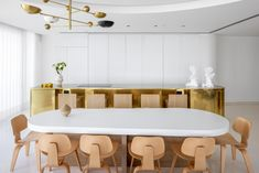 This Tel Aviv apartment by Alex Meitlis features shimmering design that makes the most of its Mediterranean seafront location