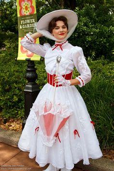 mary+poppins+costume | Mary Poppins - Walt Disney World | Amazing Cosplay and Some Costume I ...