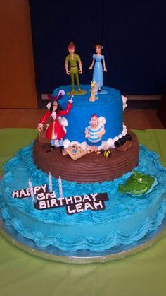 Peter pan cake. 4th Birthday Cakes, Third Birthday, 4th Birthday Parties, Birthday Ideas, Peter Pan Cakes, Fondant, Peter Pan Party, Superhero Cake, Dessert Decoration