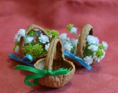 Your place to buy and sell all things handmade - Fairy Basket Miniature Basket from a walnut shell от JJLadells - Nature Crafts, Fun Crafts, Crafts For Kids, Walnut Shell Crafts, Fairy Furniture, Decorative Bows, Fairy Doors, Miniture Things, Christmas Crafts
