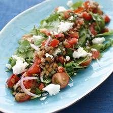 Sallad med feta, linser och tomat