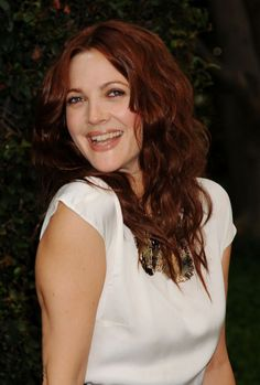 Google Image Result for http://www.glamour.com/beauty/blogs/girls-in-the-beauty-department/2011/12/15/0606-drew_barrymore_red_hair_bd.jpeg