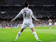 Cristiano Ronaldo Photos - Real Madrid CF v Athletic Club - La Liga - Zimbio Cristiano Ronaldo Cr7, Cristino Ronaldo, Ronaldo Soccer, Real Madrid 2014, Ronaldo Real Madrid, Ronaldo Photos, Image Foot, Good Soccer Players, Best Football Team