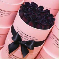 /\/\i/\ Million Roses, Bouquet Box, Box Roses, Bunt, Couple Goals, Ideas, Beautiful, 1 Year, Flowers