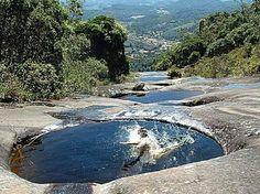 Escalada da Pedra Azul termina com banho em piscinas naturais-Domingos Martins-ES-Brasil