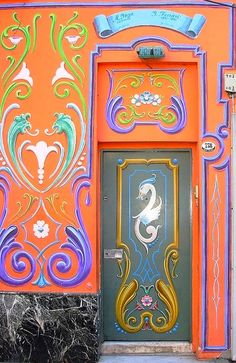 colorful door   ..rh