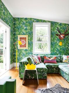 Discover The Different Italian Living Room Styles Living Room Green, Living Room Sets, Living Room Decor, Fashion Room, Home Fashion, Italian Living Room, Style Salon, Plant Wallpaper, Botanical Wallpaper