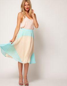 Colorblock pleated skirt. LOVE.