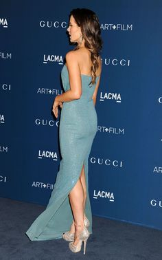 Actress Kate Beckinsale, wearing Gucci, attends the LACMA 2013 Art + Film Gala honoring Martin Scorsese and David Hockney presented by Gucci at LACMA on November 2, 2013 in Los Angeles, California.